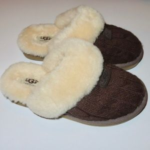 Ugg Slippers Womens Fuzzy Size 6 Slide on